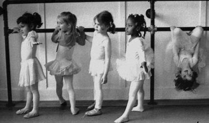 ballerinas-blogging tips for b2b marketing.png